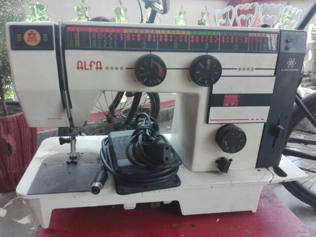 Vendo Maquina de coser (en CUP)