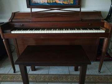 piano spine acrosonic con banqueta - $790