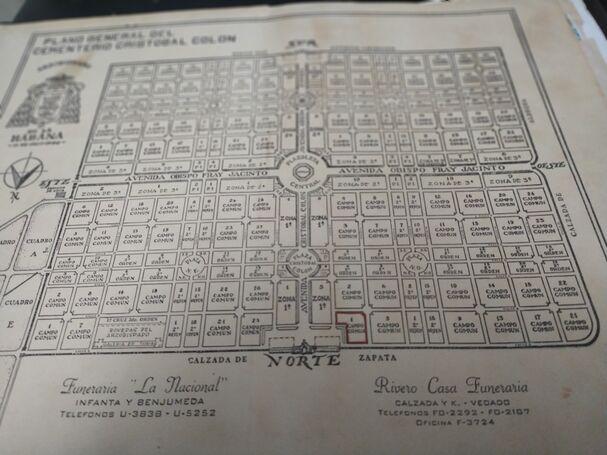 Ganga!!! Vendo Panteón Familiar en Colón